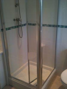 En Suit Shower Room (6)