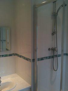 En Suit Shower Room (8)