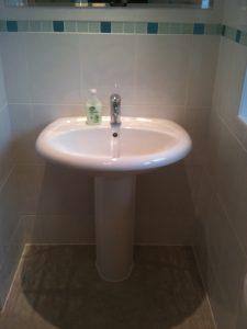 Family Bathroom (4)